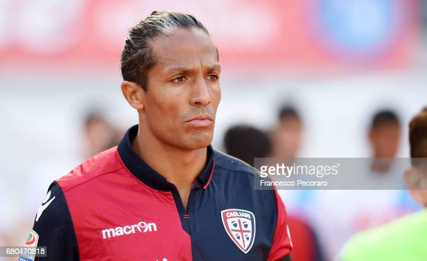Bruno Alves of Cagliari Calcio in action during the Serie A match between SSC Napoli and Cagliari Calcio at Stadio San Paolo on May 6 2017 in Naples...