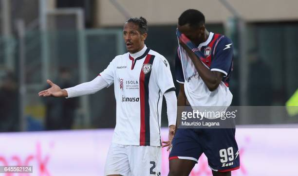Bruno Alves of Cagliari gestures during the Serie A match between FC Crotone and Cagliari Calcio at Stadio Comunale Ezio Scida on February 26 2017 in...