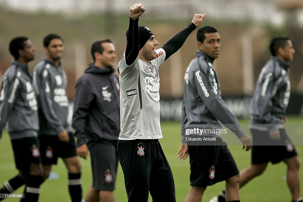 Bruno Cesar (C) reacts during a training session of Corinthians at Academia de Futebol on May 13, 2011 in Sao Paulo, Brazil.