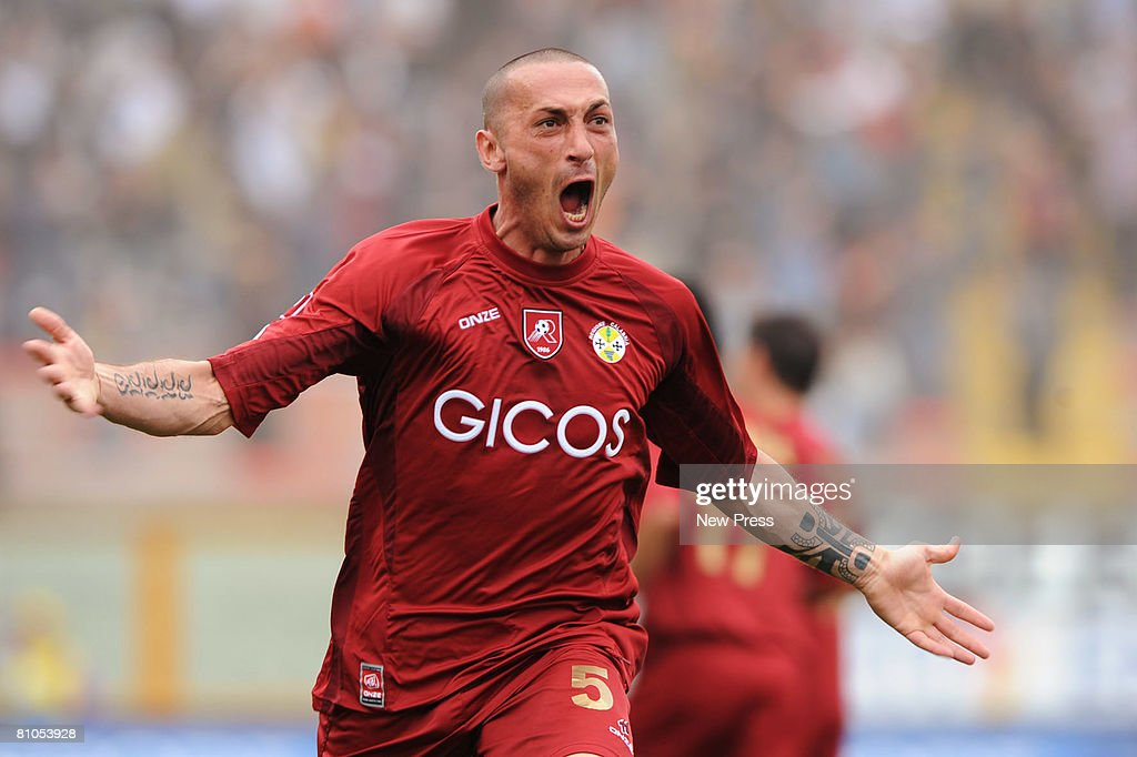 Bruno Cirillo of Reggina celebrates during the Serie A match between Reggina and Empoli at the Stadio Oreste Granillo on May 11 2008 in Reggio...