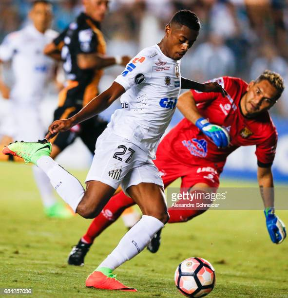 Bruno Henrique of Santos and Daniel Vaca of The Strongest in action during the match between Santos of Brazil and The Strongest of Bolivia for the...