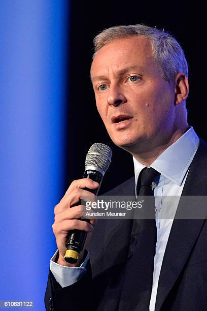 Bruno Le Maire addresses the voters during the Rightwing Opposition Party 'Les Republicains' primary elections meeting on September 27 2016 in Paris...