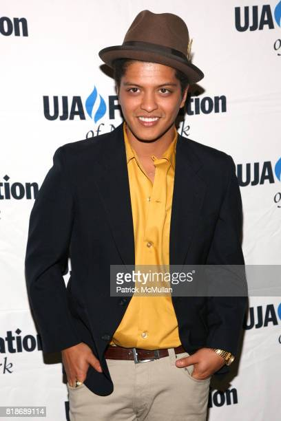 Bruno Mars attends UJAFEDERATION OF NEW YORK honors JULIE GREENWALD and CRAIG KALLMAN with The Music Visionary of the Year Award at The Pierre on...