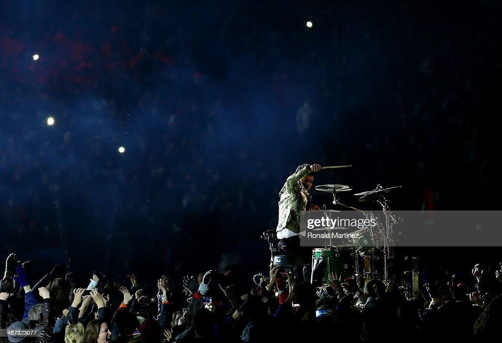 <a gi-track='captionPersonalityLinkClicked' href=/galleries/search?phrase=Bruno+Mars&family=editorial&specificpeople=6779692 ng-click='$event.stopPropagation()'>Bruno Mars</a> performs during the Pepsi Super Bowl XLVIII Halftime Show at MetLife Stadium on February 2, 2014 in East Rutherford, New Jersey.