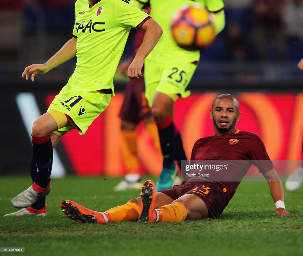 Bruno Peres of AS Roma in action during the Serie A match between AS Roma and Bologna FC at Stadio Olimpico on November 6, 2016 in Rome, Italy.