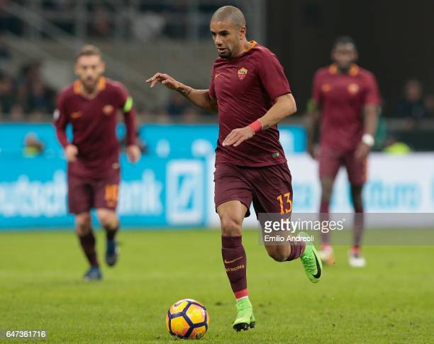 Bruno Peres of AS Roma in action during the Serie A match between FC Internazionale and AS Roma at Stadio Giuseppe Meazza on February 26 2017 in...
