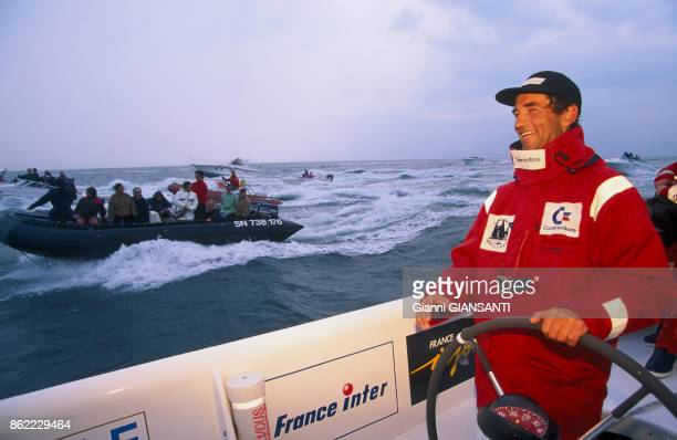 Bruno Peyron remportent le Trophée JulesVerne le 20 avril 1993 Bretagne France