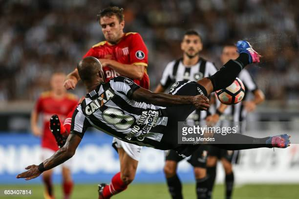 Bruno Silva of Botafogo struggles for the ball during a match between Botafogo and Estudiantes as part of Copa Bridgestone Libertadores 2017 at...