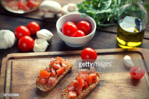 Bruschetta en tostado Baguettes : Foto de stock