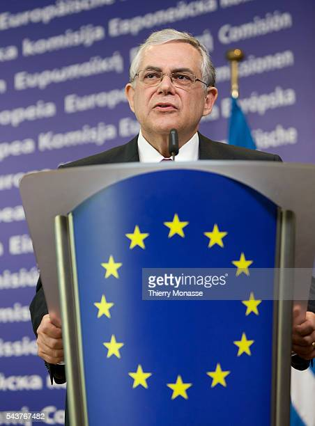 Brussels Belgium November 21 2011 Greek Prime Minister Lucas PAPADEMOS and European Commission President participate in a media conference at EU...