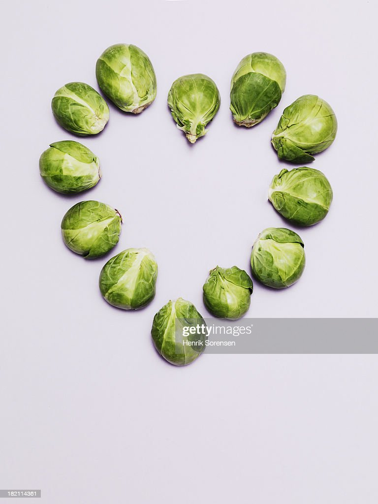 Brussels sprouts form heart shape : Stock Photo