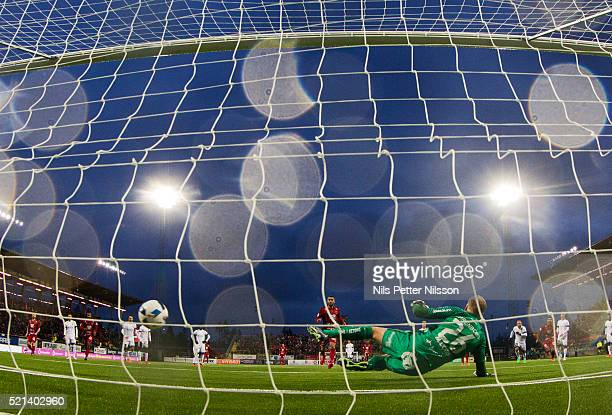 Brwa Nouri of Ostersunds FK scores the decisive 21 goal on penalty during the allsvenskan match between Ostersunds FK and BK Hacken at Jamtkraft...