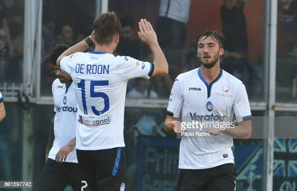 Bryan Cristante celebrates after scoring a goal 01 during the Serie A match between UC Sampdoria and Atalanta BC at Stadio Luigi Ferraris on October...