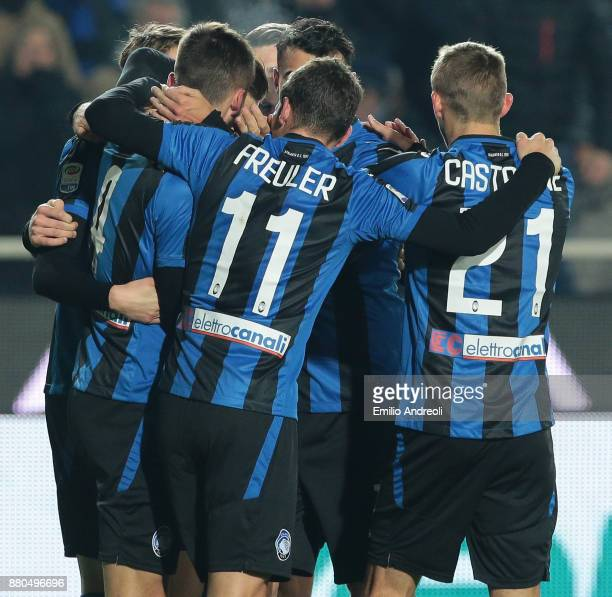 Bryan Cristante of Atalanta BC celebrates with his teammates after scoring the opening goal during the Serie A match between Atalanta BC and...