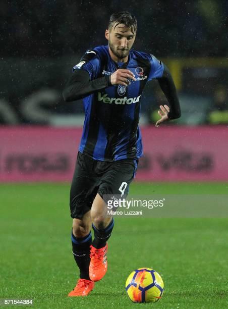 Bryan Cristante of Atalanta BC in action during the Serie A match between Atalanta BC and Spal at Stadio Atleti Azzurri d'Italia on November 5 2017...