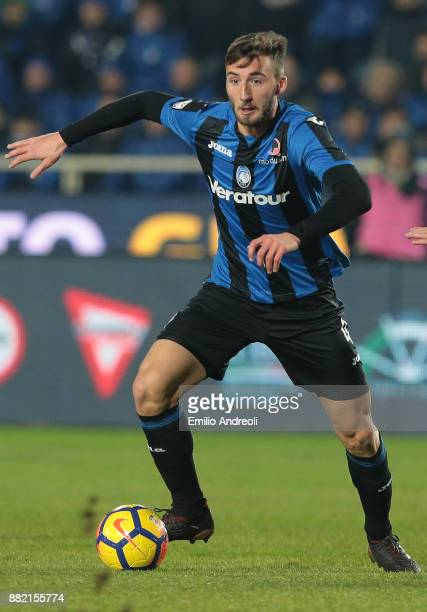 Bryan Cristante of Atalanta BC in action during the Serie A match between Atalanta BC and Benevento Calcio at Stadio Atleti Azzurri d'Italia on...