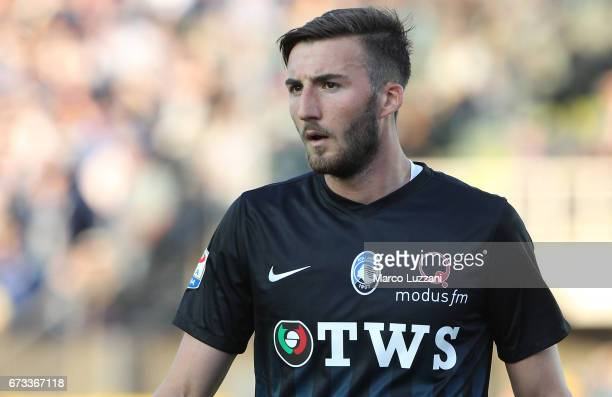 Bryan Cristante of Atalanta BC looks on during the Serie A match between Atalanta BC and Bologna FC at Stadio Atleti Azzurri d'Italia on April 22...