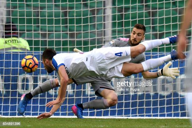 Bryan Cristante of Atalanta scores his team's third goal during the Serie A match between US Citta di Palermo and Atalanta BC at Stadio Renzo Barbera...