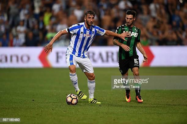 Bryan Cristante of Pescara Calcio competes for the ball Gaston Duarte Brugman during the Serie A match between US Sassuolo and Pescara Calcio at...