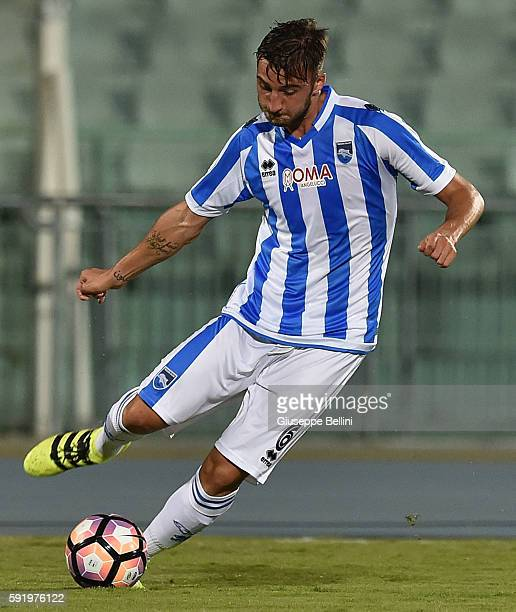 Bryan Cristante of Pescara Calcio in action during the TIM Cup match between Pescara Calcio and Frosinone Calcio at Adriatico Stadium on August 13...