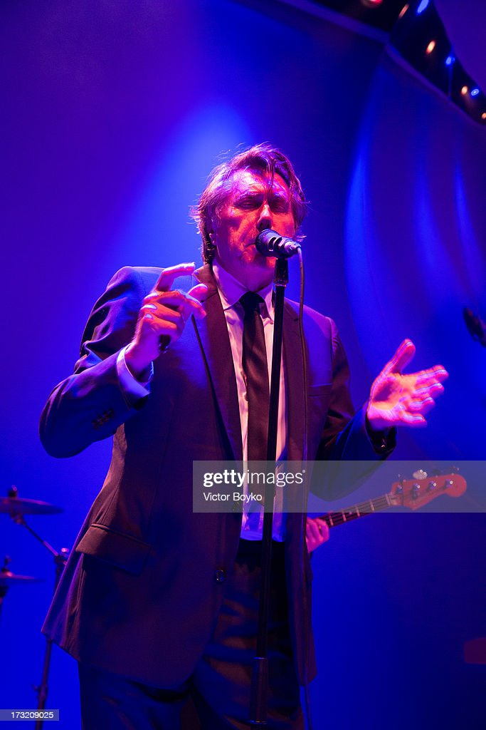 <a gi-track='captionPersonalityLinkClicked' href=/galleries/search?phrase=Bryan+Ferry&family=editorial&specificpeople=206306 ng-click='$event.stopPropagation()'>Bryan Ferry</a> performs at Dior A/H 2013-2014 show at Red Square on July 9, 2013 in Moscow, Russia.