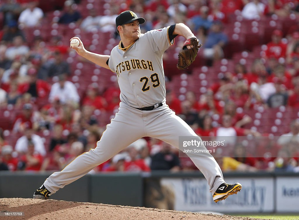 Bryan Morris #29 pitcher for the Pittsburgh Pirates throws a pitch during the game against the Cincinnati Reds at Great American Ball Park on September 28, 2013 in Cincinnati, Ohio.