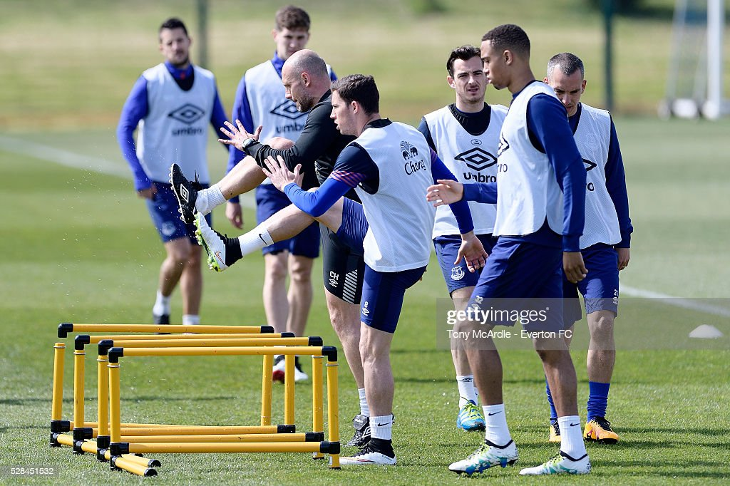 Bryan Oviedo (C) and team mates during the Everton training session at Finch Farm on May 5, 2016 in Halewood, England.