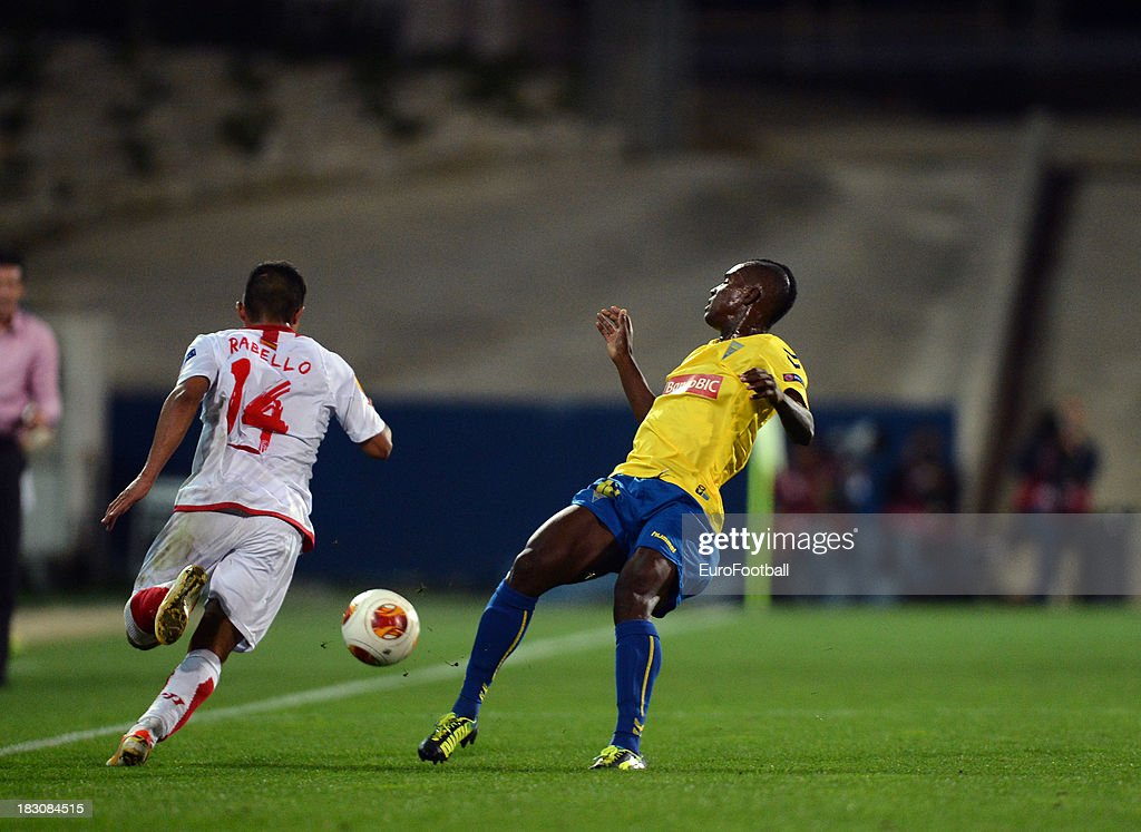 Bryan Rabello of Sevilla FC in action during the UEFA Europa League group stage match between Estoril Praia and Sevilla FC held on September 19, 2013 at the Antonio Coimbra Da Mota Stadium, in Estoril, Portugal.