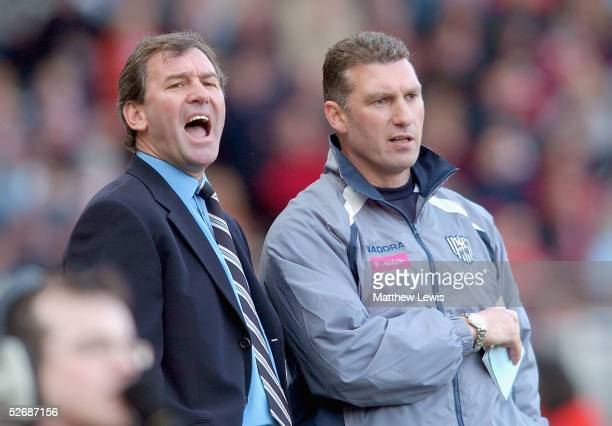 Bryan Robson manager of West Bromwich Albion and and Nigel Pearson give orders during the Barclays Premiership match between Middlesbrough and West...