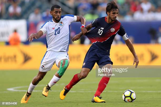 Bryan Ruiz Costa Rica dribbles past Anibal Godoy of Panama in the first half during the 2017 CONCACAF Gold Cup Quarterfinal at Lincoln Financial...
