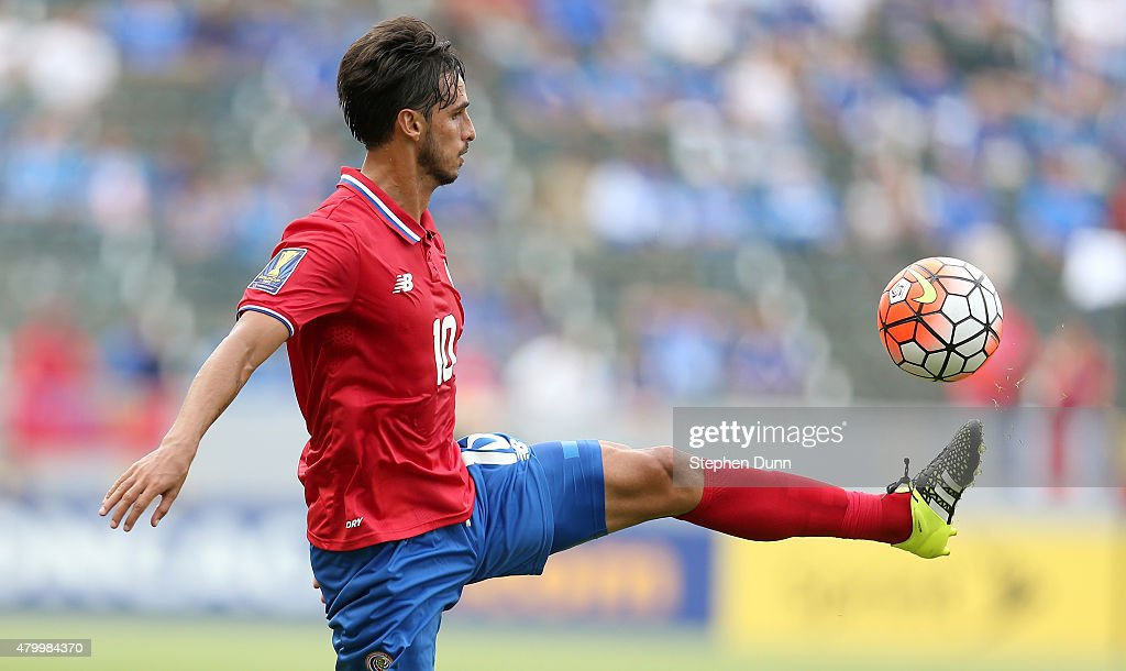 <a gi-track='captionPersonalityLinkClicked' href=/galleries/search?phrase=Bryan+Ruiz&family=editorial&specificpeople=714489 ng-click='$event.stopPropagation()'>Bryan Ruiz</a> #10 of Costa Rica controls the ball against Jamaica in their CONCACAF Gold Cup Group B match at StubHub Center on July 8, 2015 in Los Angeles, California.