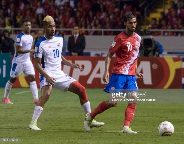 Bryan Ruiz of Costa Rica drives the ball during the match between Costa Rica and Panama as part of the FIFA 2018 World Cup Qualifiers at Estadio...