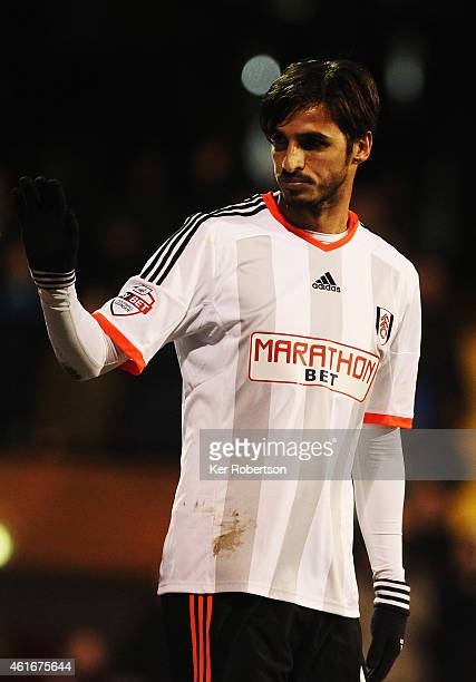 Bryan Ruiz of Fulham celebrates scoring the winning goal during the Sky Bet Championship match between Fulham and Reading at Craven Cottage on...
