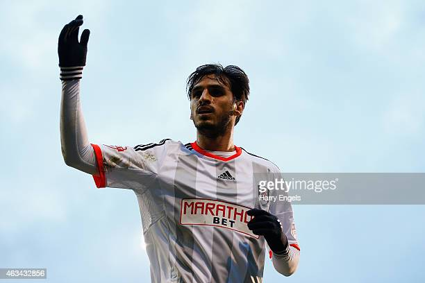 Bryan Ruiz of Fulham prepares to take a corner during the Sky Bet Championship match between Fulham and Ipswich Town at Craven Cottage on February 14...