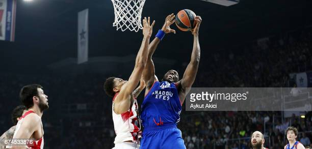 Bryant Dunston #42 of Anadolu Efes Istanbul in action during the 2016/2017 Turkish Airlines EuroLeague Playoffs leg 4 game between Anadolu Efes...