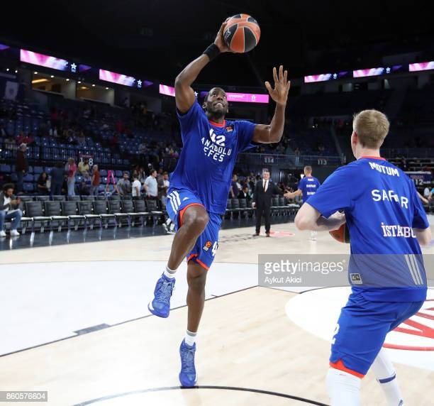 Bryant Dunston #42 of Anadolu Efes Istanbul warmsup prior to the 2017/2018 Turkish Airlines EuroLeague Regular Season Round 1 game between Anadolu...