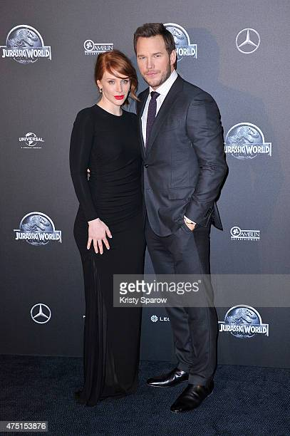 Bryce Dallas Howard and Chris Pratt attend the 'Jurassic World' Photocall at UGC Normandie on May 29 2015 in Paris France