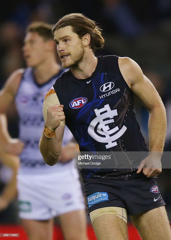 <a gi-track='captionPersonalityLinkClicked' href=/galleries/search?phrase=Bryce+Gibbs+-+Australian-Football-Spieler&family=editorial&specificpeople=14712789 ng-click='$event.stopPropagation()'>Bryce Gibbs</a> of the Blues celebrates a goal during the round 10 AFL match between the Carlton Blues and the Geelong Cats at Etihad Stadium on May 29, 2016 in Melbourne, Australia.