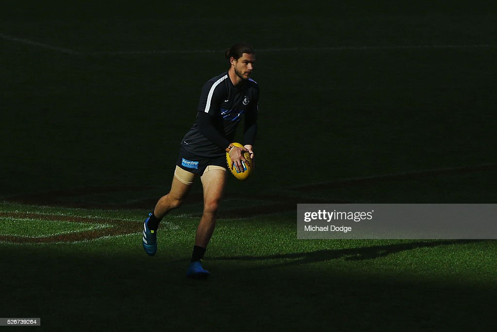 Bryce Gibbs of the Blues warms up during the round six AFL match between the Carlton Blues and the Essendon Bombers at Melbourne Cricket Ground on May 1, 2016 in Melbourne, Australia.