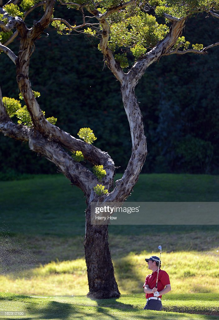<a gi-track='captionPersonalityLinkClicked' href=/galleries/search?phrase=Bryce+Molder&family=editorial&specificpeople=2552564 ng-click='$event.stopPropagation()'>Bryce Molder</a> hits out of the bunker on the seventh hole during the second round of the Northern Trust Open at the Riviera Country Club on February 15, 2013 in Pacific Palisades, California.