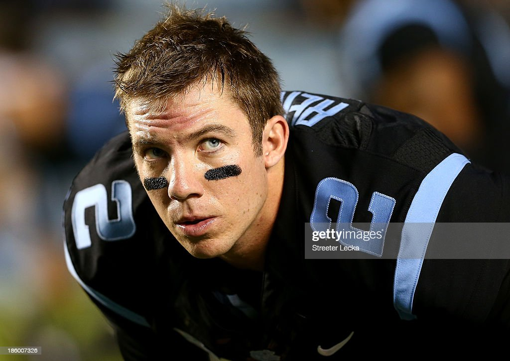 <a gi-track='captionPersonalityLinkClicked' href=/galleries/search?phrase=Bryn+Renner&family=editorial&specificpeople=6786211 ng-click='$event.stopPropagation()'>Bryn Renner</a> #2 of the North Carolina Tar Heels during their game at Kenan Stadium on October 17, 2013 in Chapel Hill, North Carolina.