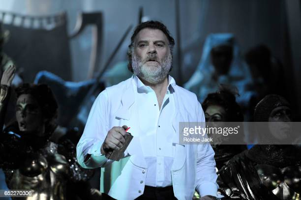 Bryn Terfel as Hans Sachs with artists of the company in the Royal Opera's production of Richard Wagner's Die Meistersinger von Nurnberg directed by...
