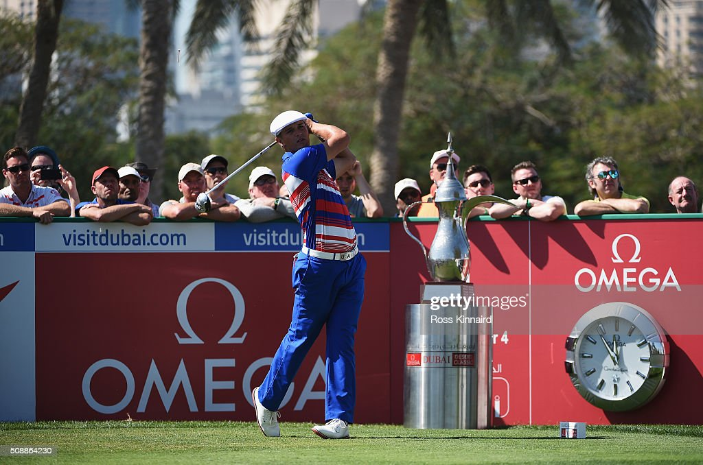 Bryson DeChambeau of the United States tees off on the 1st hole during the final round of the Omega Dubai Desert Classic at the Emirates Golf Club on February 7, 2016 in Dubai, United Arab Emirates.