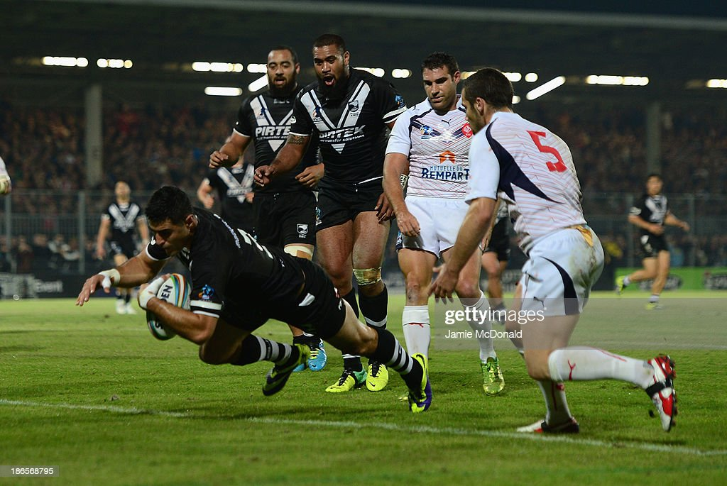 Bryson Goodwin of New Zealand goes over for a try during the Rugby League World Cup group B match between New Zealand and France at Parc des Sports on November 1, 2013 in Avignon, France.
