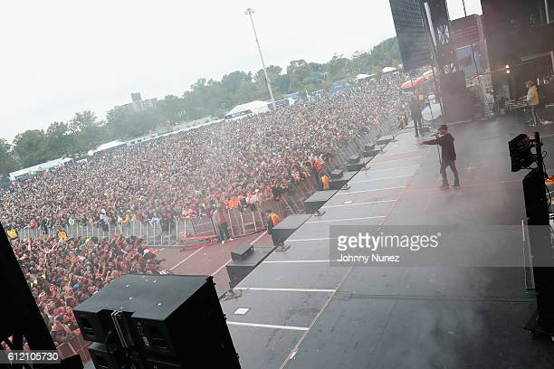 Bryson Tiller performs at The Meadows Music Arts Festival 2016 at Citi Field on October 2 2016 in New York City