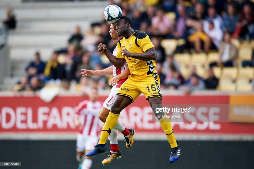 Bubacarr Sanneh of AC Horsens heading the ball during the Danish Alka Superliga match between AC Horsens and AaB Aalborg at Casa Arena Horsens on August 18, 2017 in Horsens, Denmark.