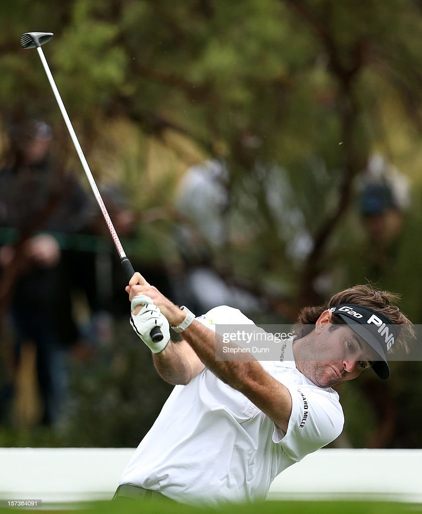 <a gi-track='captionPersonalityLinkClicked' href=/galleries/search?phrase=Bubba+Watson&family=editorial&specificpeople=597658 ng-click='$event.stopPropagation()'>Bubba Watson</a> hits his tee shot on the 16th hole during the final round of the Tiger Woods World Challenge Presented by Northwestern Mutual at Sherwood Country Club on December 2, 2012 in Thousand Oaks, California.