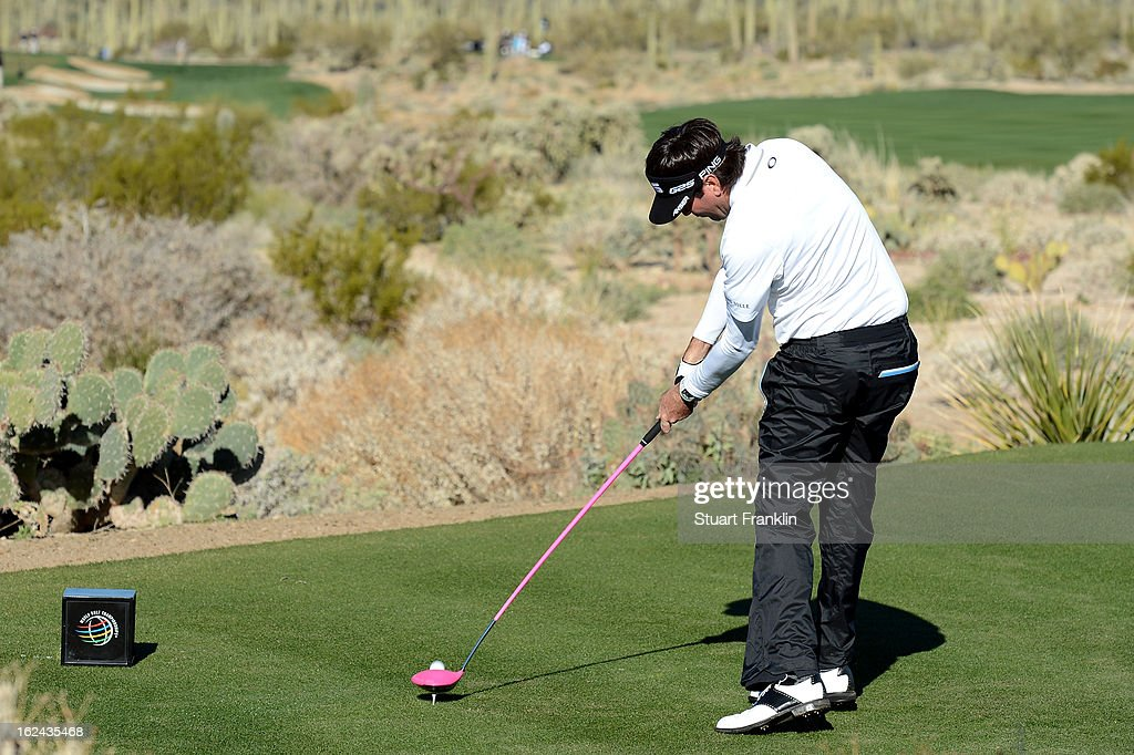 <a gi-track='captionPersonalityLinkClicked' href=/galleries/search?phrase=Bubba+Watson&family=editorial&specificpeople=597658 ng-click='$event.stopPropagation()'>Bubba Watson</a> hits his tee shot on the par 4 5th hole during the third round of the World Golf Championships - Accenture Match Play against <a gi-track='captionPersonalityLinkClicked' href=/galleries/search?phrase=Jason+Day+-+Golfer&family=editorial&specificpeople=4534484 ng-click='$event.stopPropagation()'>Jason Day</a> of Australia at the Golf Club at Dove Mountain on February 23, 2013 in Marana, Arizona.