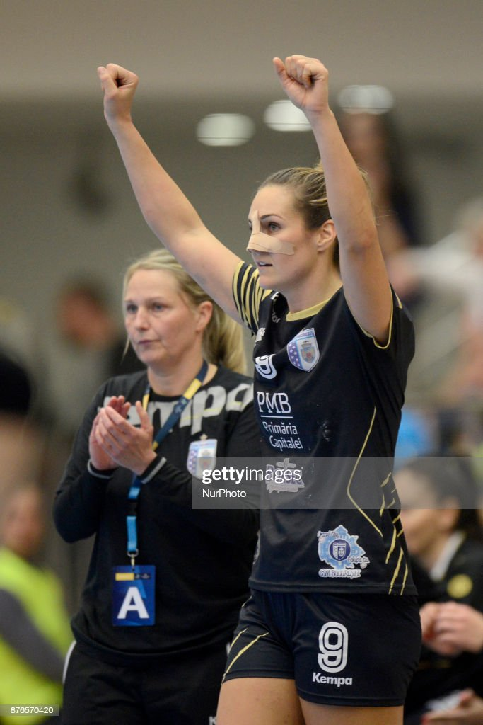 CSM Bucharest v Vistal Gdynia - Handball Women Champions League