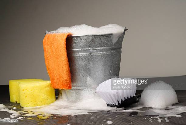 Eimer und Reinigungsmaterial